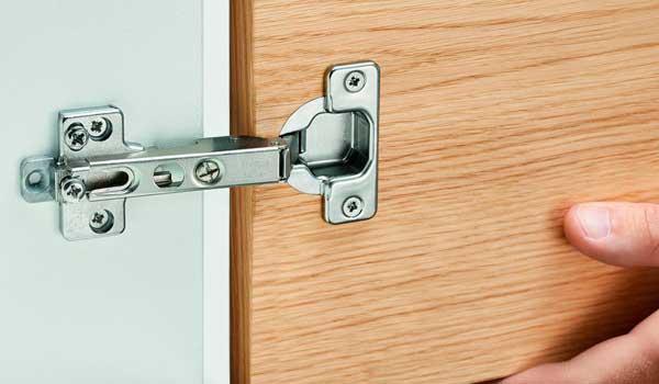 Регулировка мебельных петель для фасадов